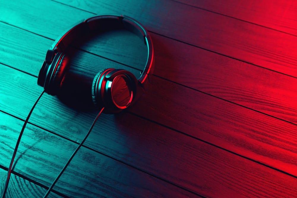 8 Best Closed-Back Headphones Under 200